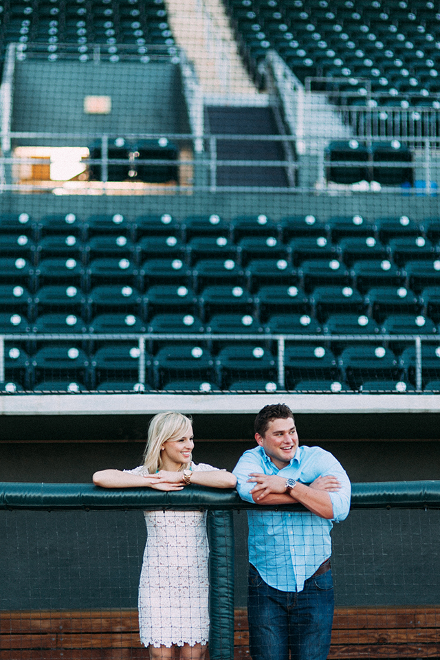 baseball-dugout-engagement-photo