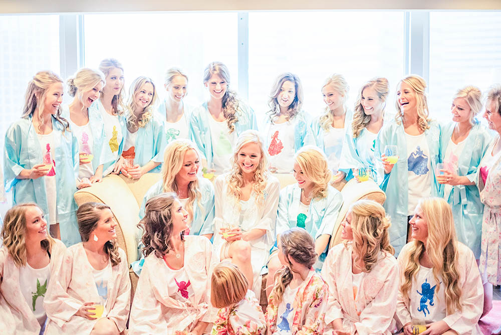 lauren-vandiver-cole-green-wedding-dallas-texas-weddings-vandi-fair-blog-fashion-bridal-blogger-new-years-eve-nye-cinderella-disney-vandigoesgreen-bridesmaids-robes