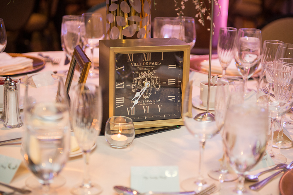 lauren-vandiver-cole-green-wedding-dallas-texas-weddings-vandi-fair-blog-fashion-bridal-blogger-new-years-eve-nye-cinderella-disney-vandigoesgreen-clock-decor