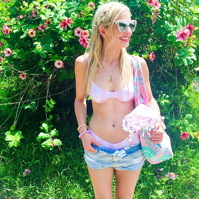 vandi-fair-blog-lauren-vandiver-dallas-texas-fashion-blogger-costa-rica-instagram-ig-round-up-lolli-swim-pink-white-striped-bow-cheeky-bikini-lilly-pulitzer-beach-bag