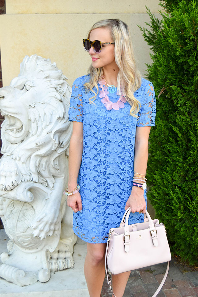 vandi-fair-blog-lauren-vandiver-dallas-texas-fashion-blogger-nordstrom-wear-to-work-felicity-and-coco-lace-shift-dress-blue-periwinkle-baublebar-seaglass-bib-necklace-6