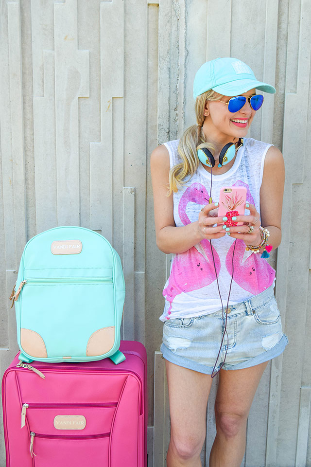 vandi-fair-blog-lauren-vandiver-dallas-texas-southern-fashion-blogger-jon-hart-designs-360-large-wheels-pink-suitcase-custom-monogram-luggage-tag-back-pack-mint-green-17