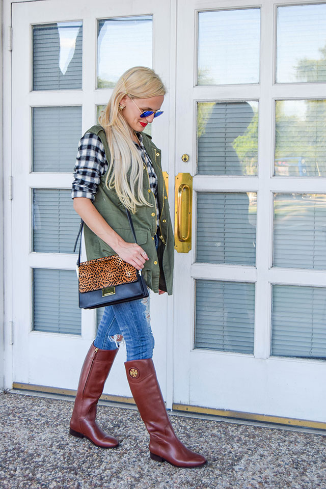 vandi-fair-blog-lauren-vandiver-dallas-texas-southern-fashion-blogger-nordstrom-anniversary-sale-fall-outfits-vigoss-chelsea-destroyed-skinny-jeans-tory-burch-boots-2