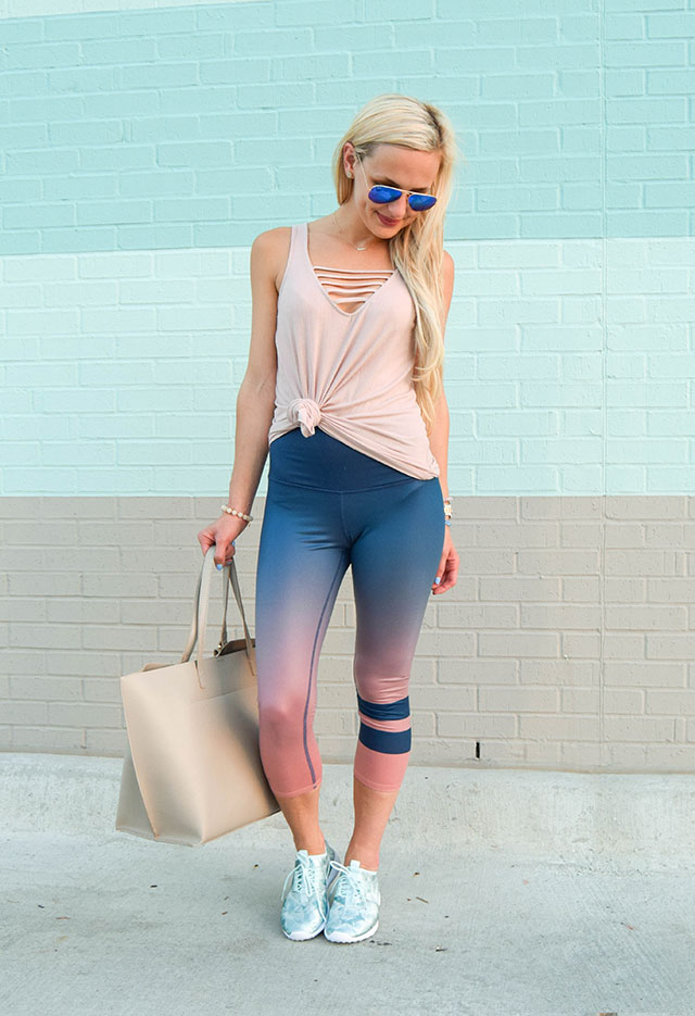 vandi-fair-dallas-fashion-blog-lauren-vandiver-southern-blogger-alo-high-rise-capris-ombre-nike-juvenate-sneaker-nordstrom-sale-athleisure-6