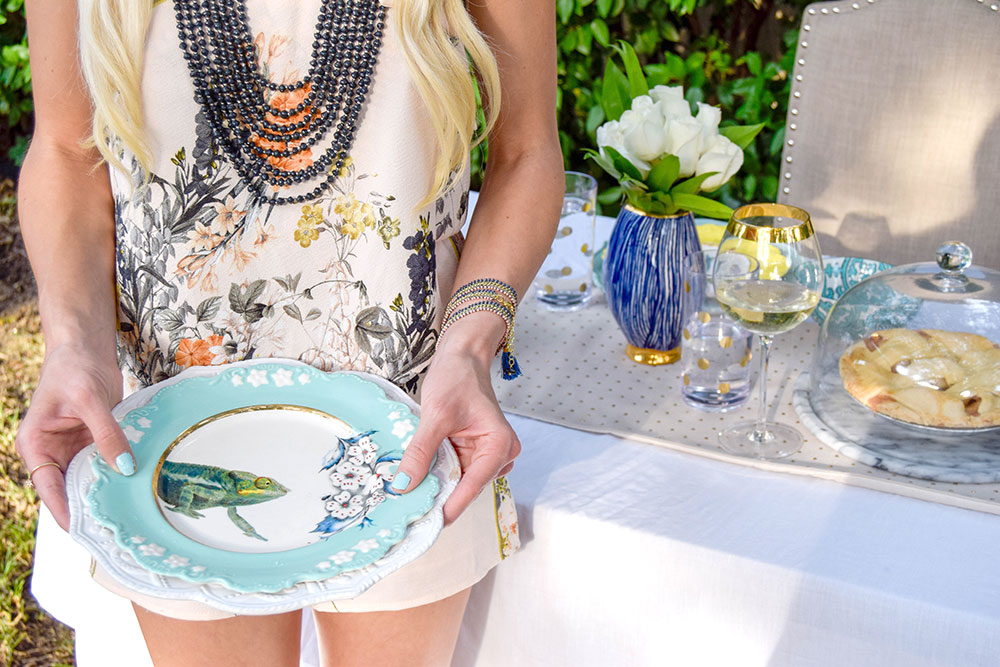 vandi-fair-blog-lauren-vandiver-dallas-texas-southern-fashion-lifestyle-blogger-noonday-collection-jewelry-hosting-a-sweet-weekend-gathering-hostess-outdoor-backyard-party-4