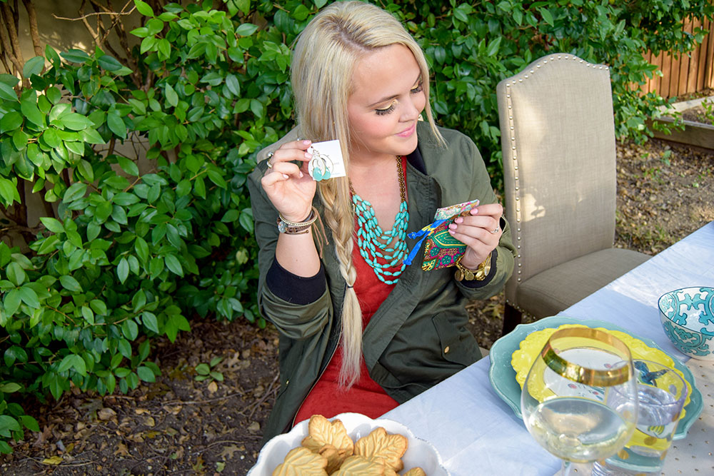 vandi-fair-blog-lauren-vandiver-dallas-texas-southern-fashion-lifestyle-blogger-noonday-collection-jewelry-hosting-a-sweet-weekend-gathering-hostess-outdoor-backyard-party-5