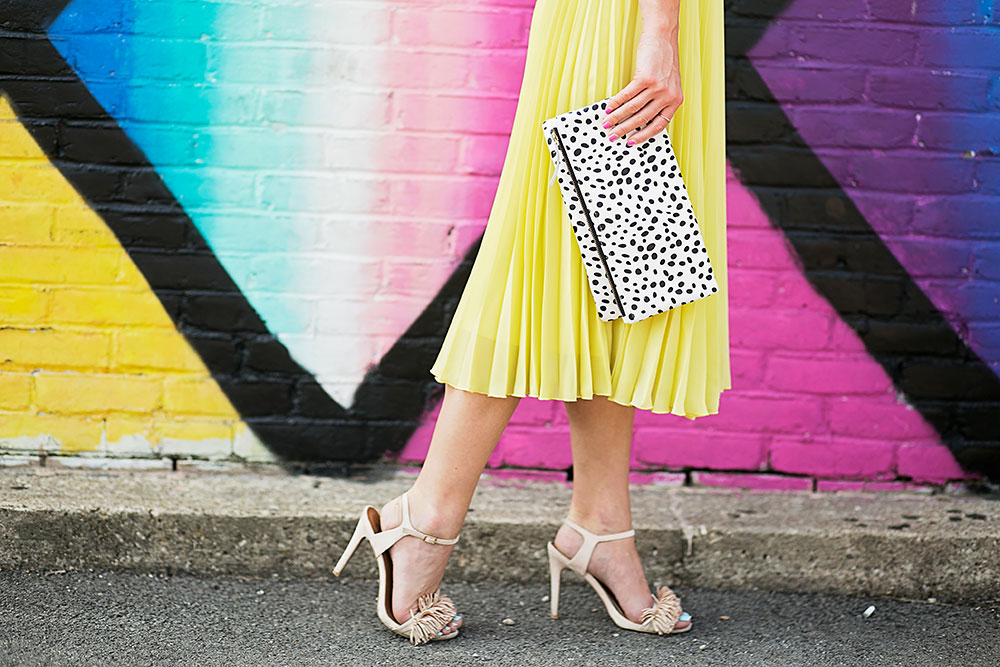 vandi-fair-dallas-fashion-blog-lauren-vandiver-southern-texas-travel-blogger-color-colorful-nordstrom-topshop-chiffon-pleated-midi-skirt-neon-yellow-bardot-flora-lace-crop-top-10