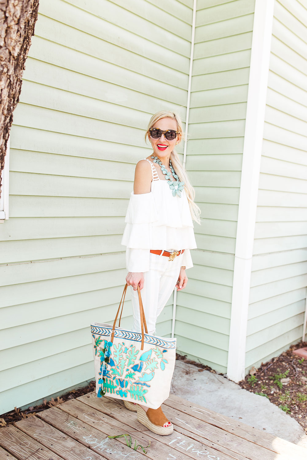 cold-shoulder-ruffled-white-top-spring-outfit