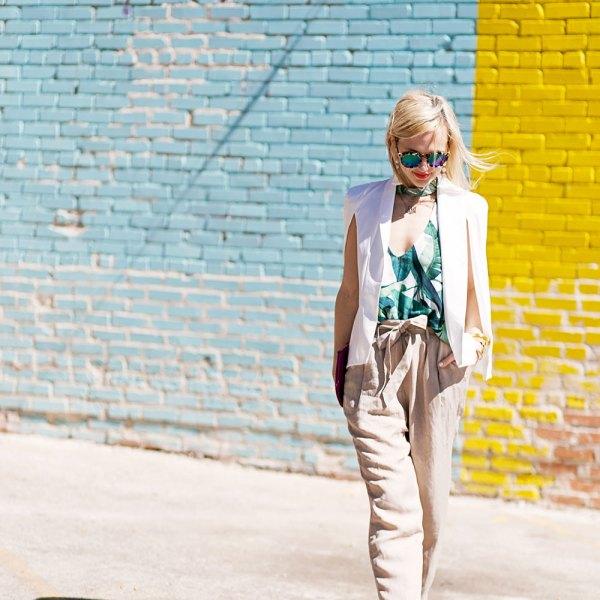 high-waist-kaki-trousers-spring-outfit