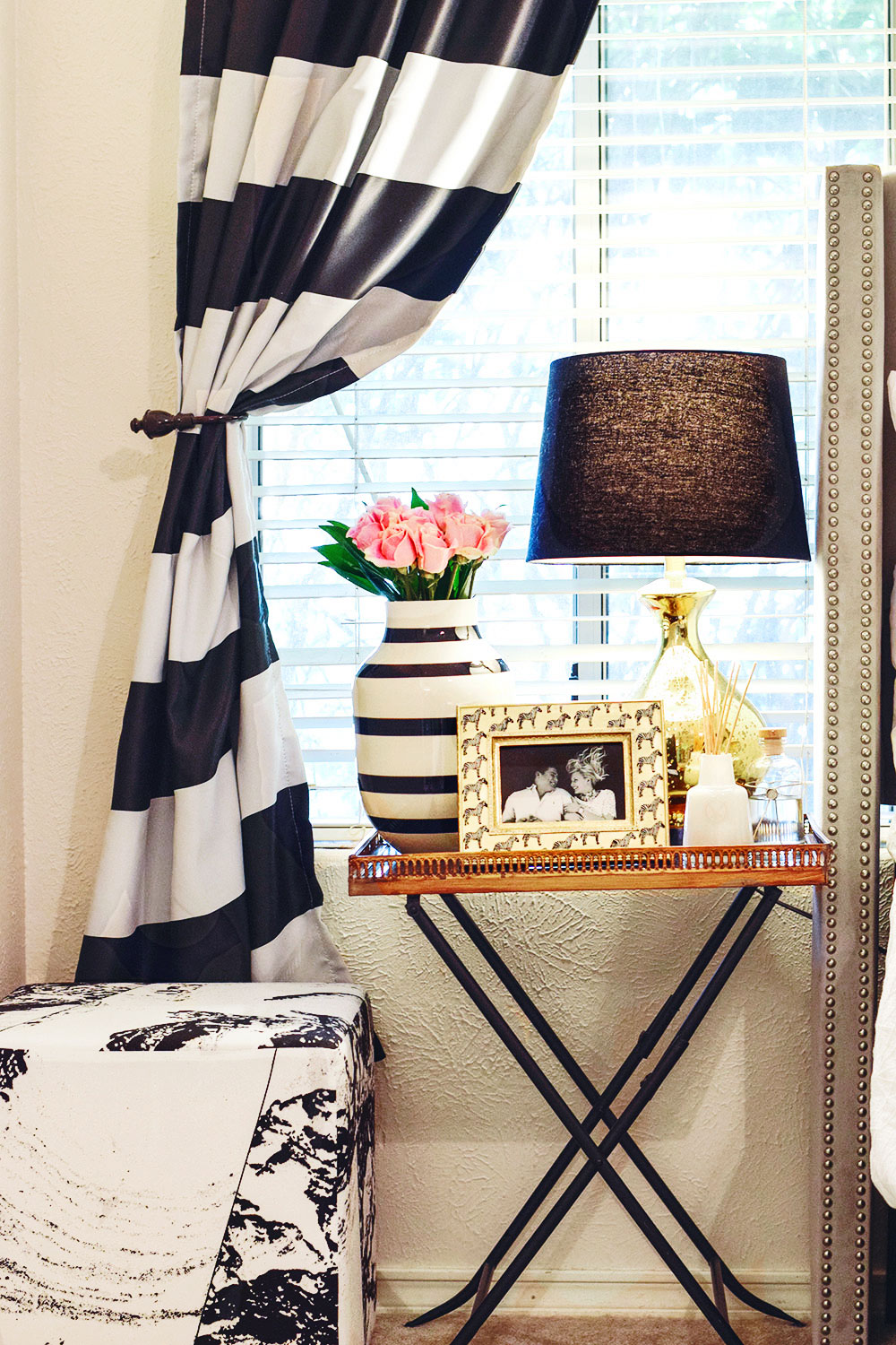 Black and white gingham and striped bedroom for Black and white striped bedroom curtains