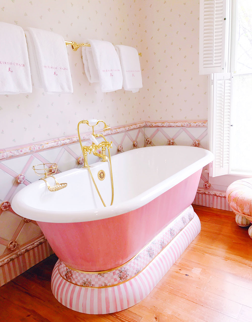 mackenzie-childs-pink-hand-painted-bathtub
