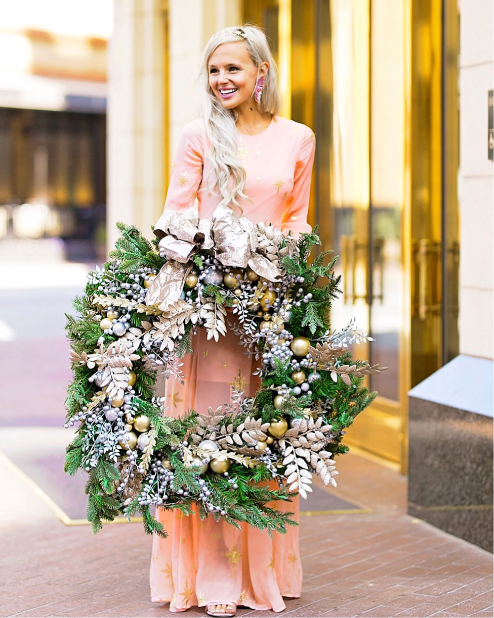 frontgate holiday wreath