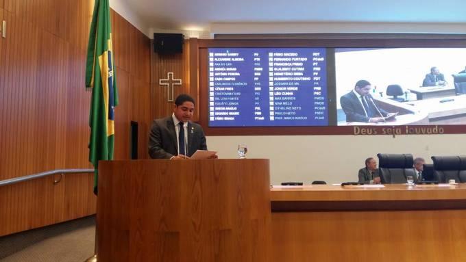Lei de autoria do deputado Zé Inácio é aprovada por unanimidade.