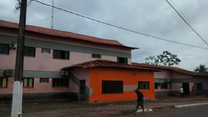 Hospital São Sebastião no Bairro Portinho em Peri Mirim, prédio do ex-prefeito Geraldo.