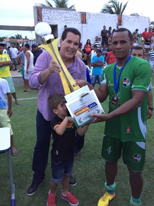 A premiação foi entregue pelo presidente da Federação Maranhense de Futebol (FMF) Antonio Americo.