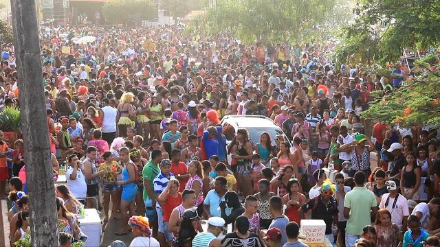 Bloco das patifas, levou mais de 15 mil pessoas as ruas de Pinheiro