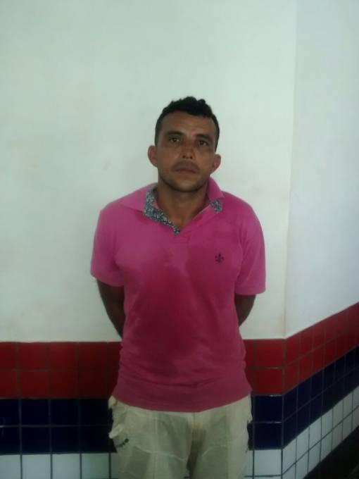 . Raimundo de Jesus Pereira de 36 anos, que estava de posse do produto oriundo de furto foi conduzido a DP de Pinheiro.