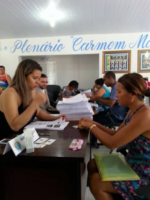 110 pessoas entregam suas documentações ao Dr. Raniere Guimarães, que encaminhará as ações.