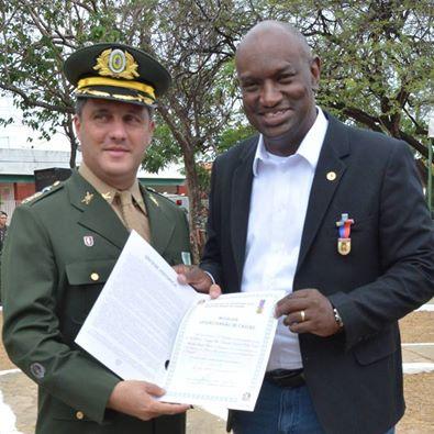 Deputado Cabo Campos ao lado do Tenente Coronel Azevedo.