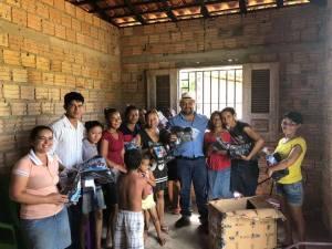 Elizeu de Tantan entrega equipamento de segurança para produtoras do Mesocarpo do Babaçu de Pinheiro