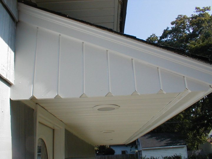 detailed view of overhang