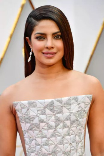 oscars-2017-priyanka-chopra-gettyimages-645644178_master_article_gallery_portrait