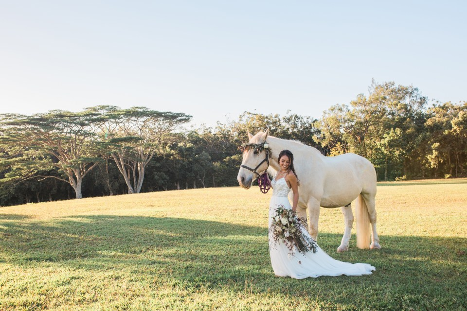 Bride portrait with Horse