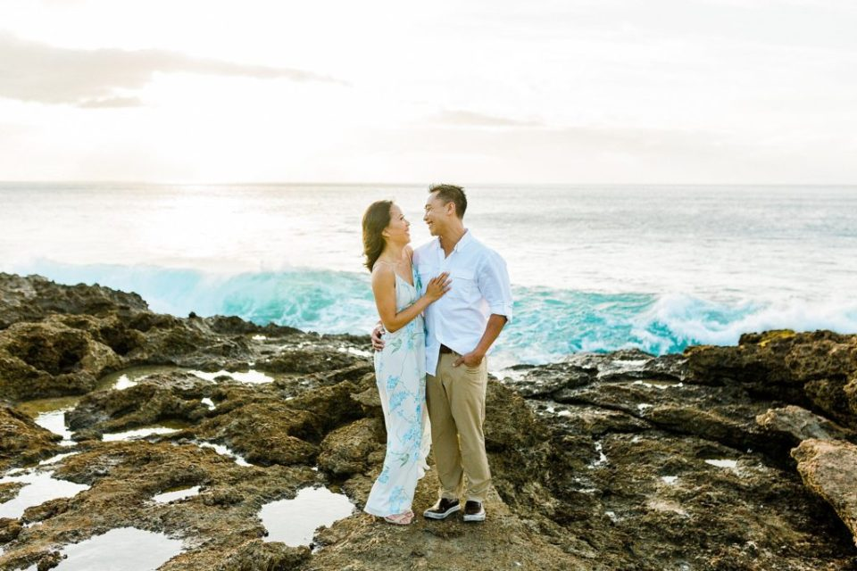sunset engagement session at makua beach in hawaii