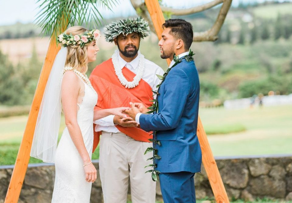 couple getting married in maui at steeple house