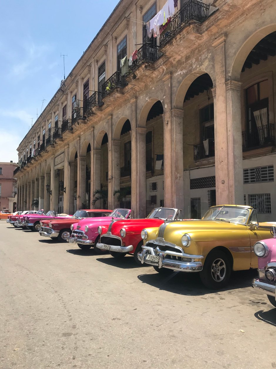 The famous Classic Car row in Downtown. Taxi drivers line their classics up during their lunch breaks. Perfect for photo savvy tourists like me.