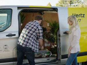 Ford adds Hourly Van Hire with Hertz 2