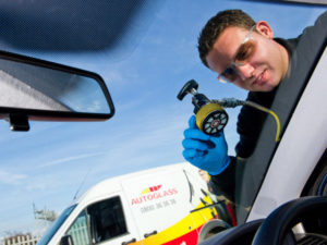 A windscreen repair is cheaper, faster and greener than a replacement