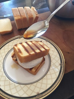 Grilled pound cake layer coffee