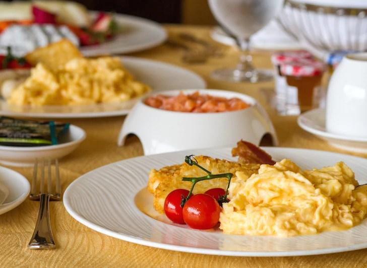 Pet-friendly Regent Singapore Hotel Staycation Hearty Breakfast | Vanillapup