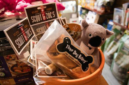 Three Dog Bakery Scout & Joe's Treats | Vanillapup