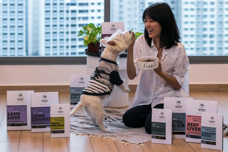 Latte Eating Loyalty Pet Treats | Vanillapup