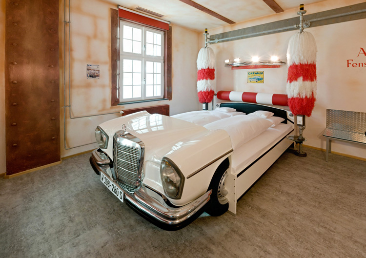 V8 Hotel cool car bed