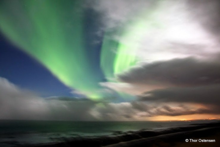 The Northern Lights - Iceland with pink