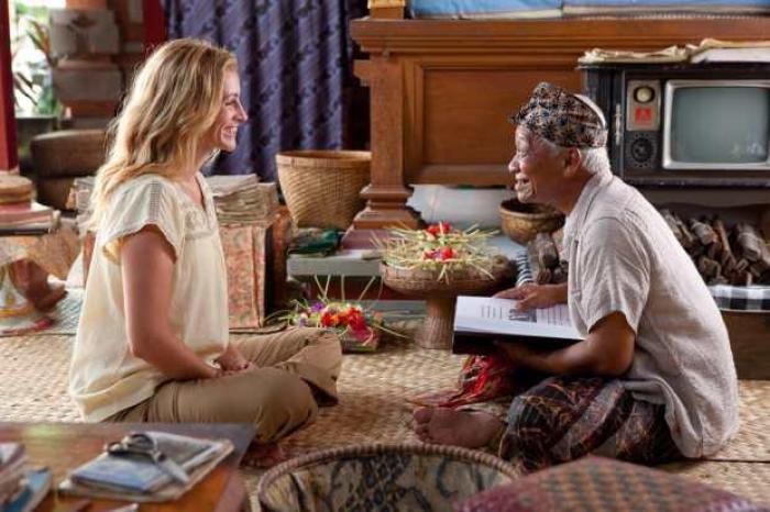 Ketut-Liyer-in-the-movie-of-Eat-Pray-Love-Bali