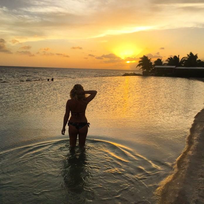 Curaçao sunset over Infinity Pool - Hofit Kim Cohen (Vanilla Sky Dreaming)