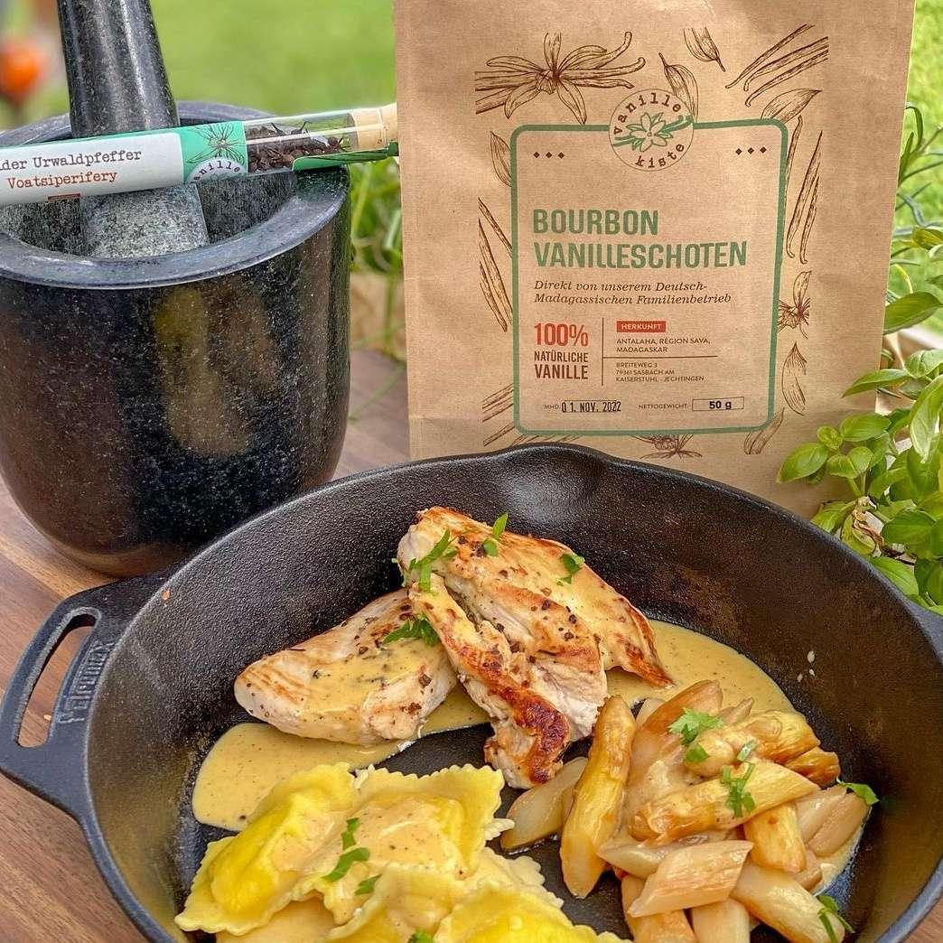 Rezept: Hähnchenbrust, Ravioli und Spargel von Tina Kirchhoff