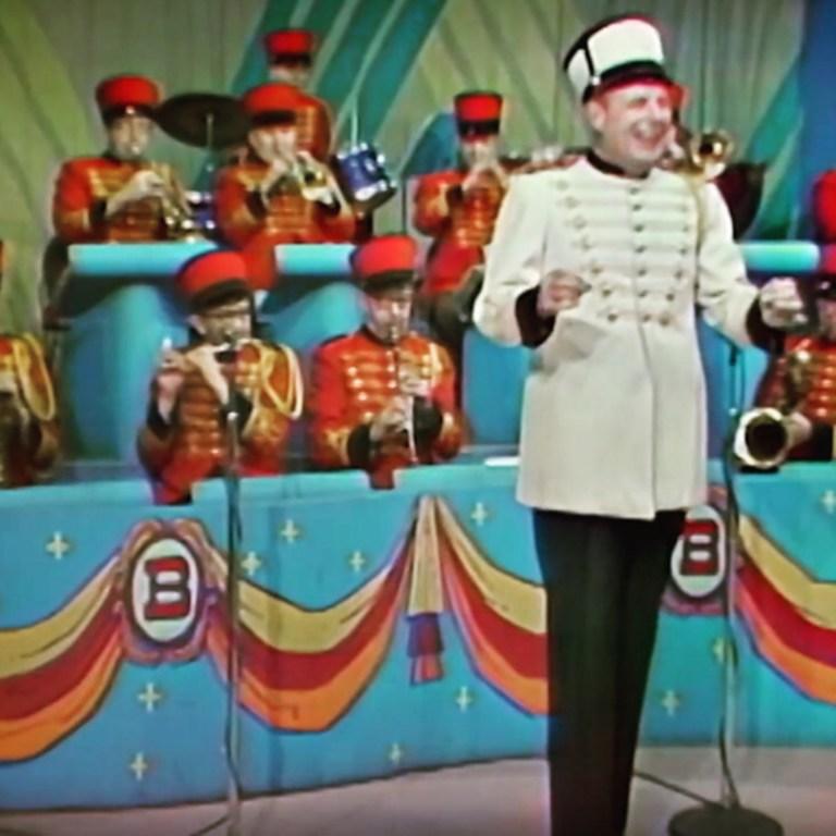 Episode 41: Singer and Violinist Robbie Steinhardt of Kansas, Swift's Premium Franks. and Bob Trendler (Mr. Bob) from Bozo's Circus.