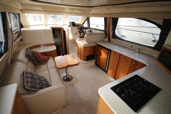 New Listing 34 Meridian 341 Sedan 2003 Van Isle Marina