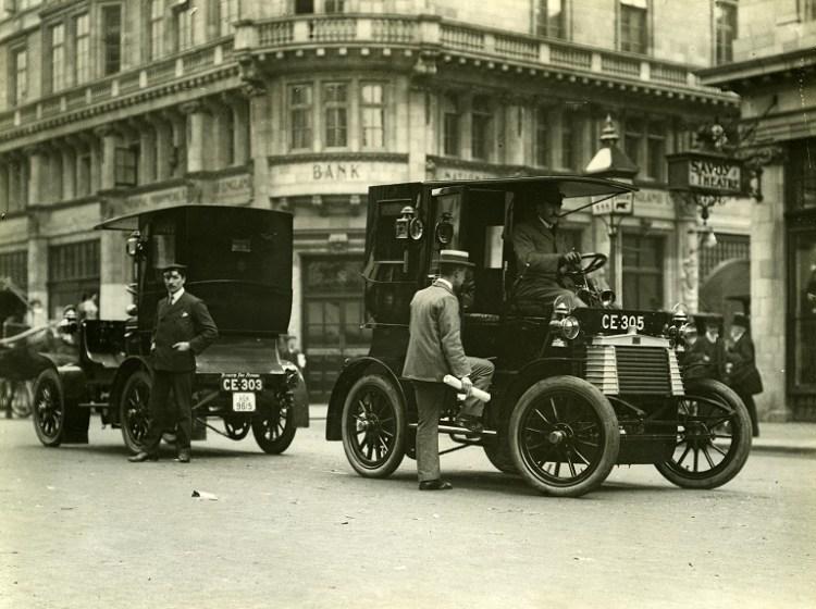 1904-taxi