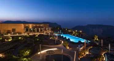 anantara_al_jabal_al_akhdar_exterior_pool_1920x1037