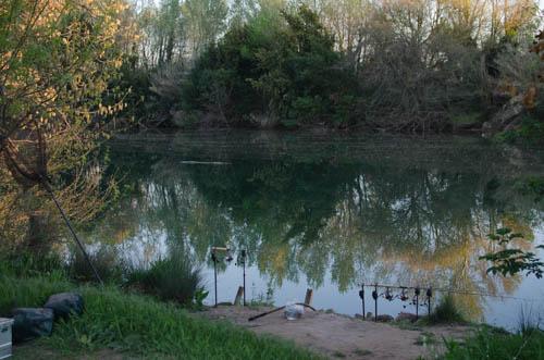Peche sur la rivier dans la Sud de France