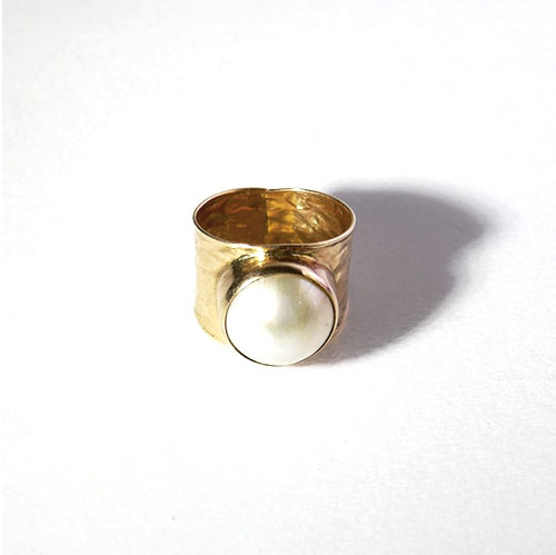 "LARGE MABE PEARL RING ""MARTELEE"""