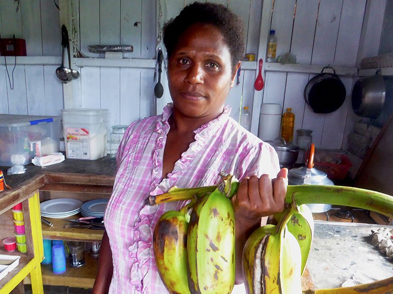 Rachel incorporates a fusion of western and traditional Ni-Vanuatu cuisines in her simple but tasty island meals.
