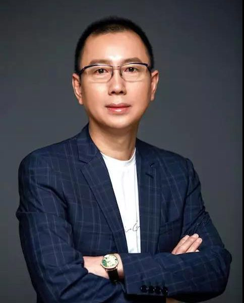 dr. v Founder of HMI Group, Tan Xin