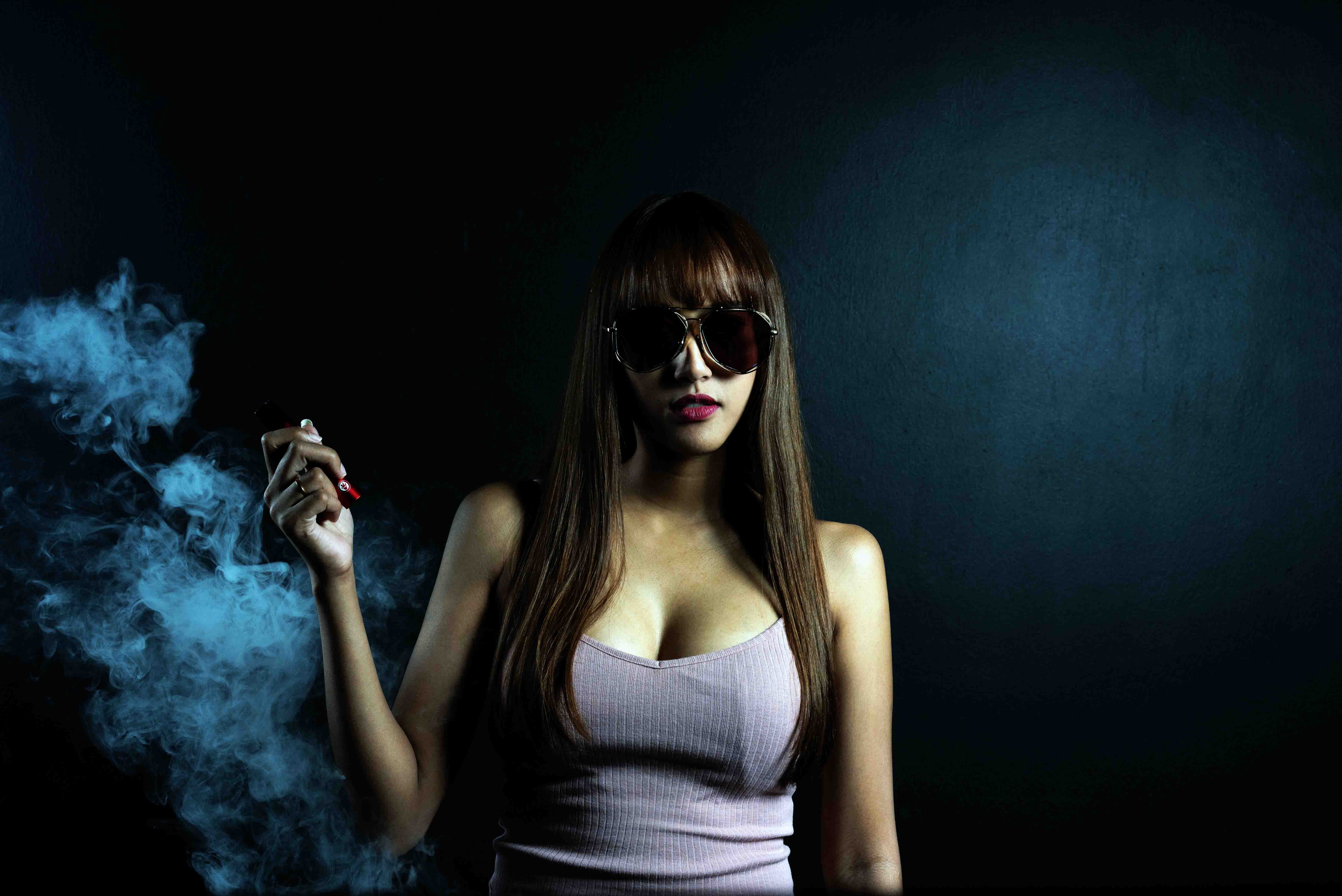 What sales and promotion channels do RELX vape use in ...